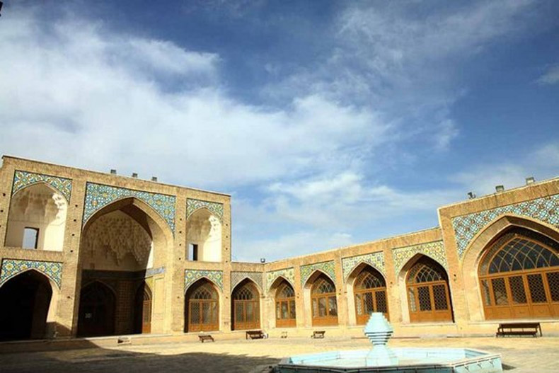 مسجد جامع قم (مسجد جامع عتیق) و معماری سنتی